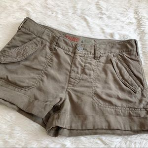 ARITZIA TNA Khaki Flap Pocket Cuffed Cargo Shorts